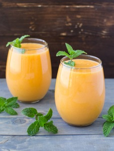 Mango-Carrot-Smoothie-Culinary-Hill-3