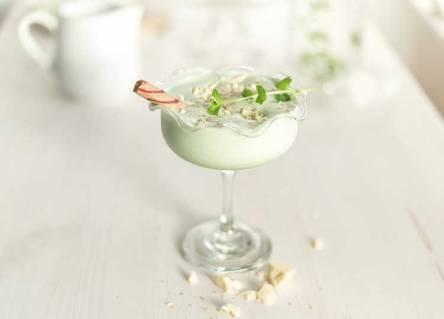 avocado-coconut-ice-cream-in-glass-landscape-large (1).jpg